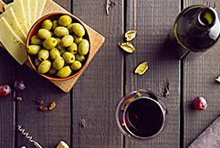 Que Tal Uma Azeitona com Vinho no Fim da Tarde ?